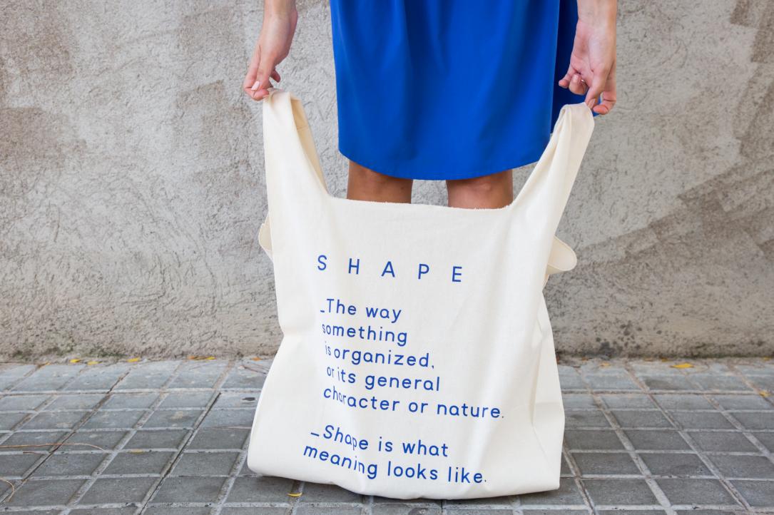 Maxi tote bag Shape