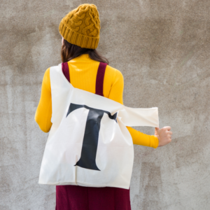 Maxi totebag typography